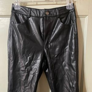 FOREVER21 PLEATHER PANTS